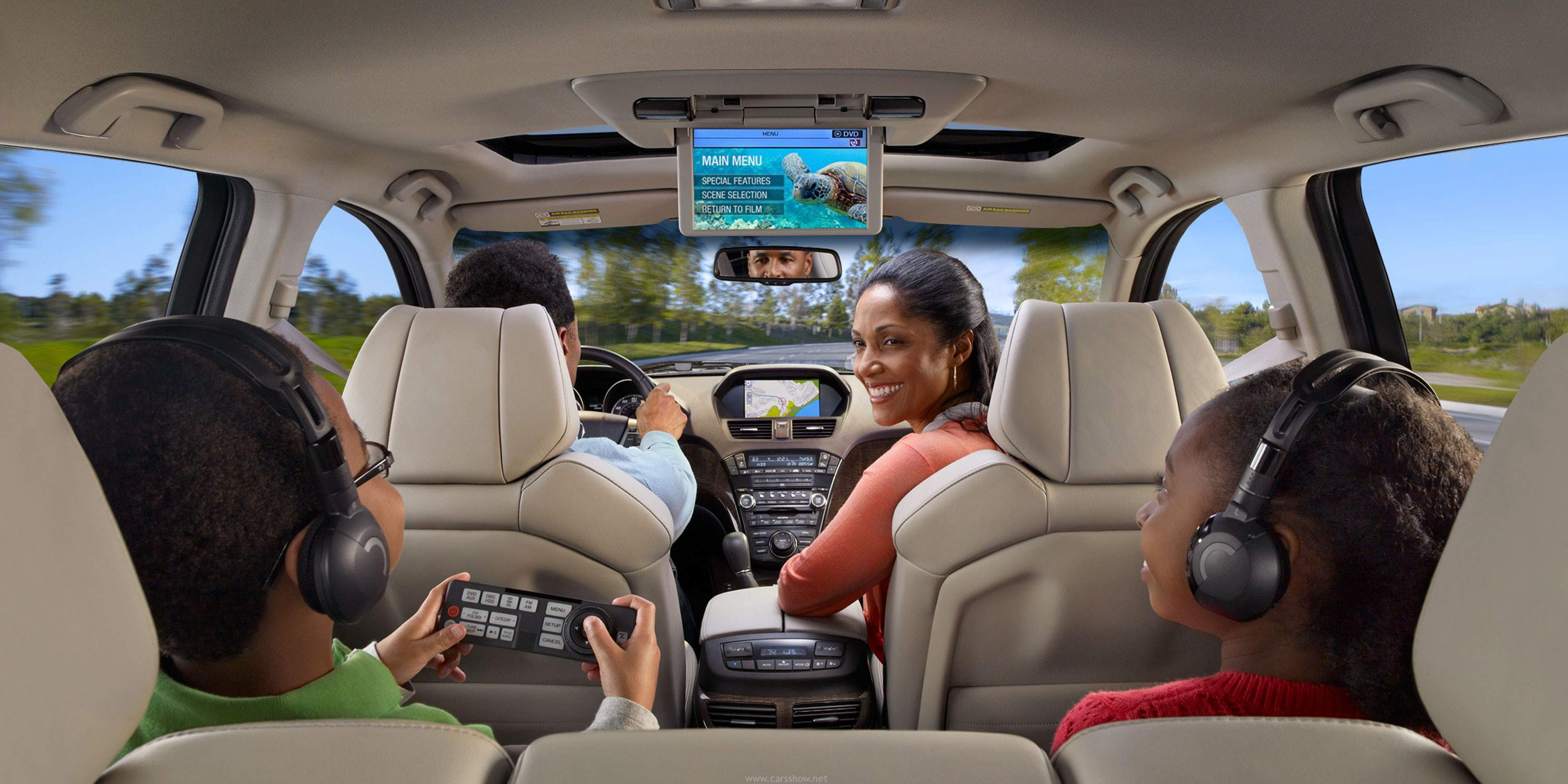 How to feel comfortable in limited space during a family road trip - Living Lifestyle